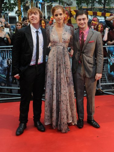 a18b18bf135a ... Grint and Daniel Radcliffe attend the World premiere of