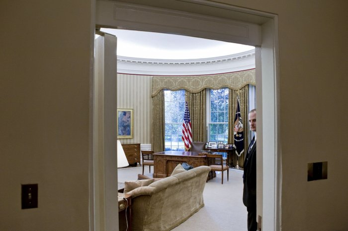 obama oval office decor. A Member Of The Secret Service Stands Guard In Oval Office At White  House Washington On August 31, 2010. U.S. President Barack Obama Tonight Will Obama Oval Office Decor E