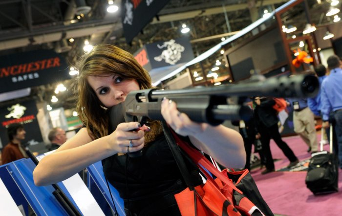 35th Annual Shot Gun Show In Las Vegas Photos Upi Com