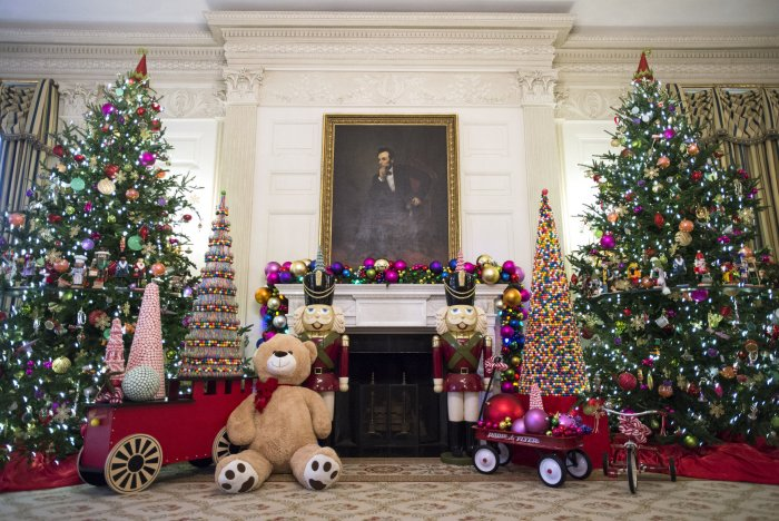 White House Holiday Decorations 2015 Photos