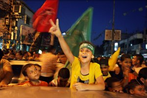 Palestinians celebrate cease-fire between Hamas and Israel