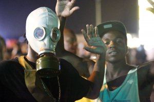 Protests turn peaceful again in Ferguson