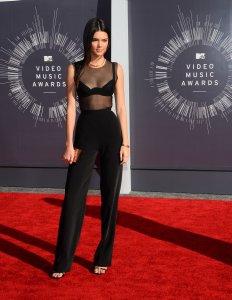 Kendall Jenner trabajará con Karl Lagerfeld