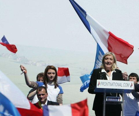 El Frente Nacional de extrema derecha se queda sin gobiernos regionales en Francia