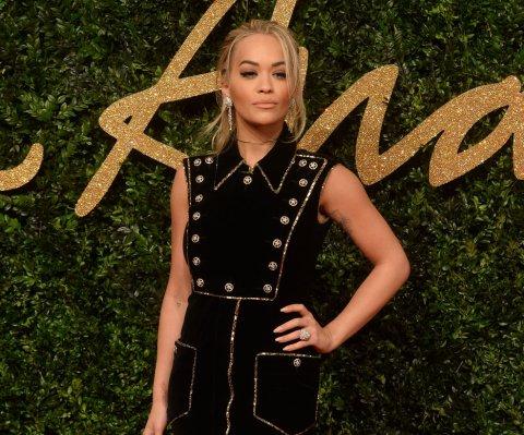 Roc Nation de Jay Z contrademanda a Rita Ora