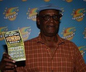 Conductor retirado en Chicago gana lotería de $2M en paseo de autobús