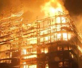 Confirman que incendio de edificio en Los Ángeles fue provocado intencionalmente