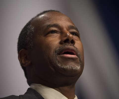 Ben Carson suspende viajes planeados a África e Israel