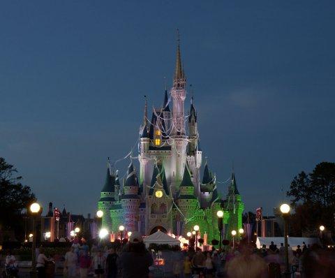 Instalan detectores de metales en Disney World, SeaWorld y Universal en Orlando