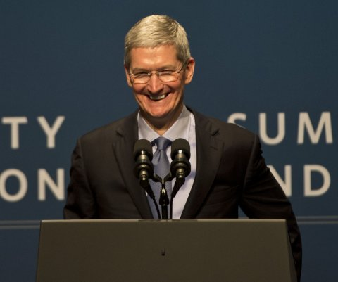 Director Ejecutivo de Apple dijo que la industria de autos necesita un 'cambio masivo'