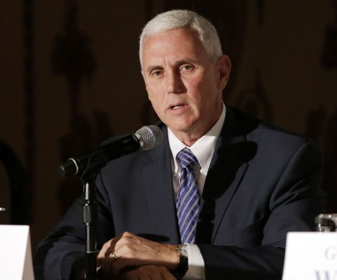 Indiana promulga ley que permitiría discriminación contra parejas homosexuales
