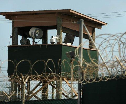 Otorgan libertad condicional a ex prisionero de Guantánamo