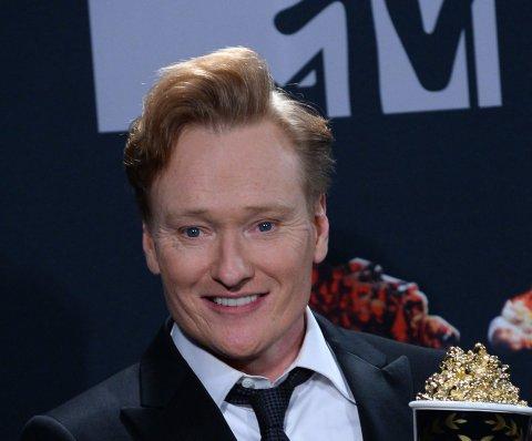 Conan O'Brien es demandado por supuestamente robar chistes de Twitter