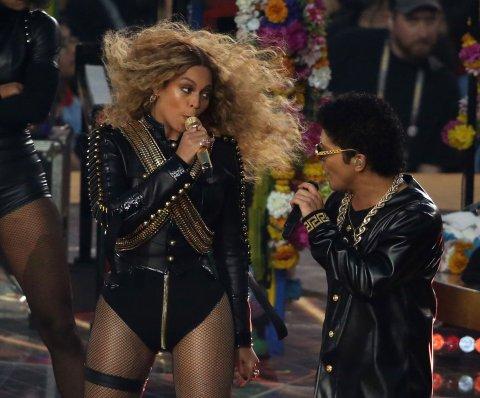 Beyonce anuncia gira mundial después de actuar en el Super Bowl 50