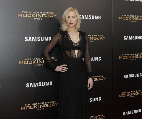 Jennifer Lawrence debutará como directora con la cinta 'Project Delirium'