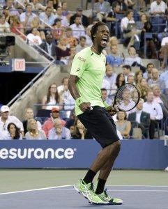 Monfils derrota a Federer en inicio de la final de la Copa Davis