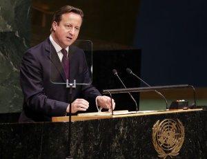 El Primer Ministro Británico se pone duro contra inmigración