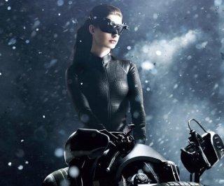 http://cdnph.upi.com/es/sv/em/i/UPI-28951354542536/2012/1/13409786246865/Anne-Hathaway-debió-someterse-a-un-duro-entrenamiento-para-The-Dark-Knight-Rises.jpg