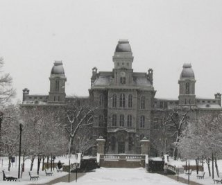 http://cdnph.upi.com/es/sv/em/i/UPI-3601407252349/2014/1/14072526378157/La-Universidad-de-Syracuse-es-la-mejor-de-Estados-Unidos-para-fiestas.jpg