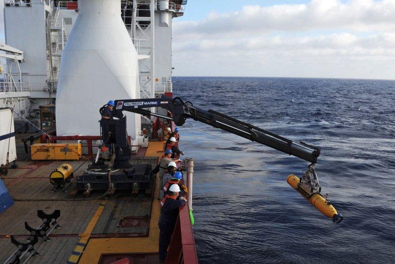 La búsqueda por el MH370 ha tomado diversos giros (UPI/Peter D. Blair/U.S. Navy/Archivo)