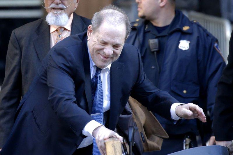 El productor de cine estadounidense Harvey Weinstein enfrenta nuevos cargos de agresión sexual, dijeron los fiscales. Foto de John Angelillo / UPI