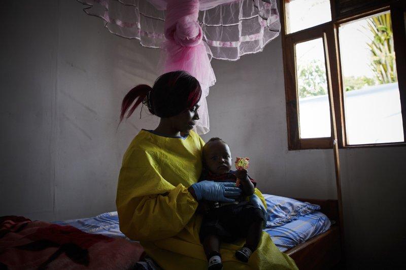 Se confirmó un nuevo caso de ébola en la República Democrática del Congo, justo cuando las agencias de salud se preparaban para celebrar el fin de la enfermedad en la región, dijo el viernes el Director General de la Organización Mundial de la Salud, Tedros Adhanom Ghebreyesus. Foto de archivo de Hugh Kinsella Cunningham / EPA-EFE