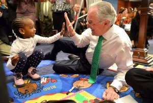Sen. Tom Harkin Plays with Students in Washington, D.C.