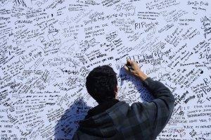 Thousand pay tribute to Paul Walker at memorial rally in Santa Clarita, California