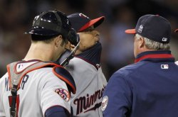 Twins Liriano talks on mound against White Sox in Chicago