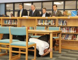 U.S. Cabinet Secretaries Napolitano and Duncan to observe St. Louis students take part in ShakeOut earthquake drill