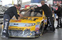 Inspectors check the lines before the Kobalt Tools 500 in Arizona.