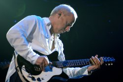 MARK KNOPFLER PERFORMS IN LONDON