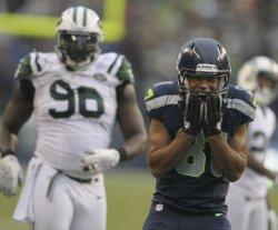 The Seattle Seahawks beat tbe New York Jets 28-7 in Seattle.