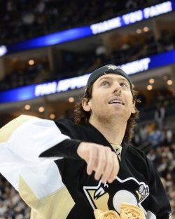 Hat Trick for Penguins James Neal in Pittsburgh