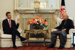 Afghan president Karzai meets with Norwegian PM Stoltenberg in Kabul
