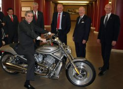 U.S government officials attend Harley Davidson meeting in Beijing