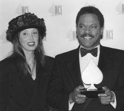Bernard Shaw receives ACE award from presenter Shelley Duvall