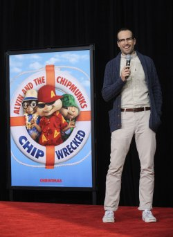 Jason Lee attends a ceremony where Alvin and the Chipmunks are honored with hand & footprint ceremony at Grauman's Chinese Theatre in Hollywood