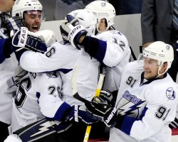Tampa Bay Lightning Win Playoffs Series in Pittsburgh
