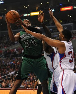 Celtic's Paul Pierce, Clippers' Willie Green in Los Angeles