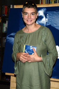 SINEAD O'CONNOR CD SIGNING IN NEW YORK