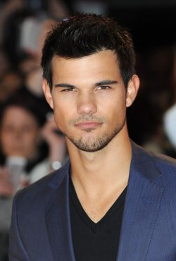 "Taylor Lautner attends The UK premiere of ""The Twilight Saga: Breaking Dawn Part 2"" in London."