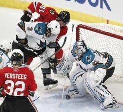 Blackhawks Seabrook's shot gets past Sharks Nabokov in Chicago