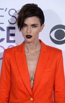 Ruby Rose attends the 43rd annual People's Choice Awards in Los Angeles