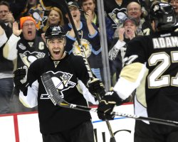 Penguins Pascal Dupuis Scores in Pittsburgh