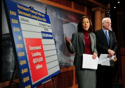 Sen. McCain and Sen Cantwell speak on banking regulations in Washington
