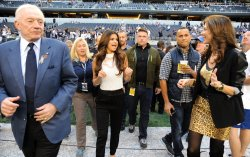 Selena Gomez to perfom at Thanksgiving NFL game