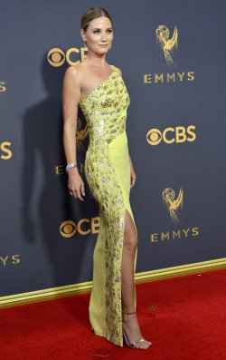Jennifer Nettles attends the 69th annual Primetime Emmy Awards in Los Angeles