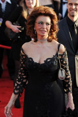 Sophia Loren arrives at the 16th Screen Actors Guild Awards in Los Angeles