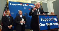 Veterans, Democratic Senators call on Bush to pass veterans bill in Washington